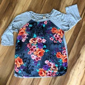 Lara floral & heather gray raglan T-shirt